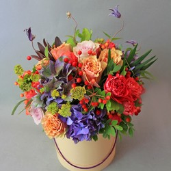 Купить цветы в шляпной коробке в Димитровграде с бесплатной доставкой    Symphony